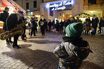 The charme of the Christmas market of Trento. Package deal for families